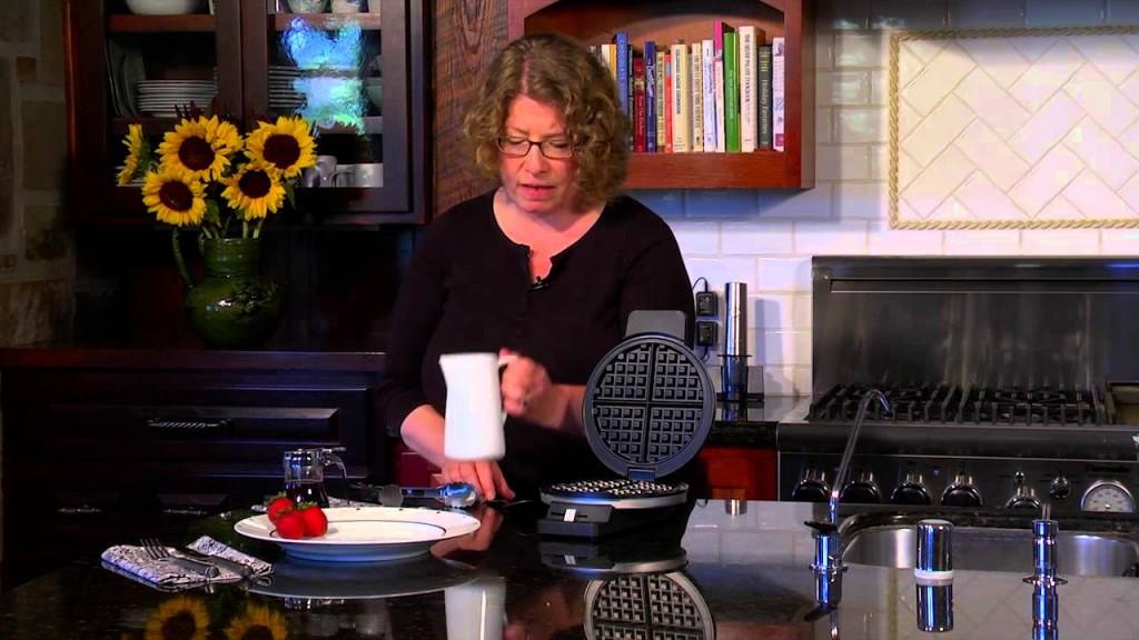 Cuisinart Classic Waffle Maker kitchen