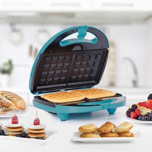 Best 5 Waffle Makers With Pancake Plates