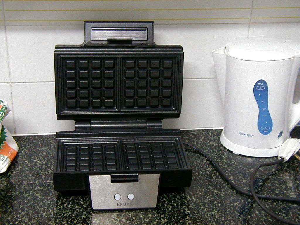 How Electric Kettles Can Help Waffles
